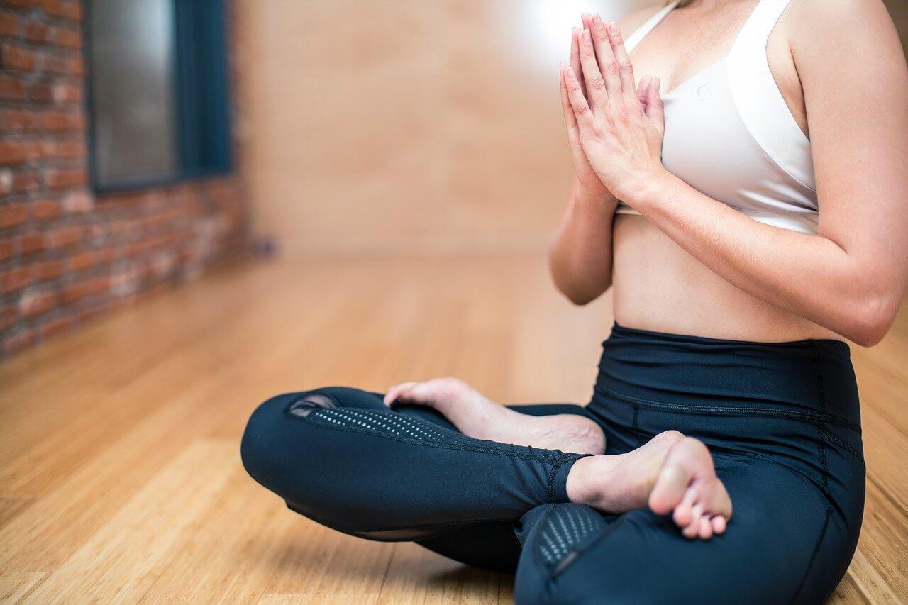 Seguro de salud al mejor precio. Ejercicio saludable yoga